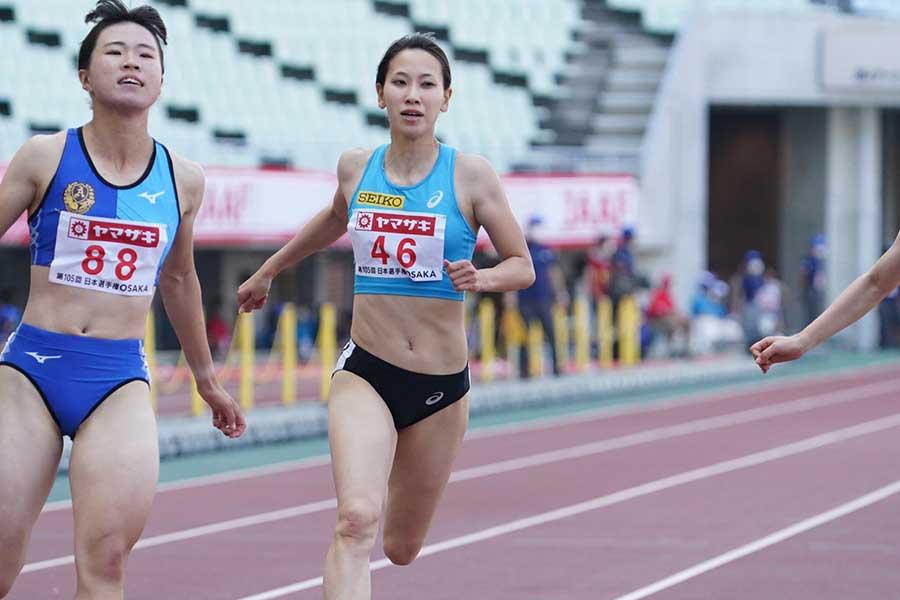 予選を12秒01で駆け抜ける福島千里【写真:編集部】