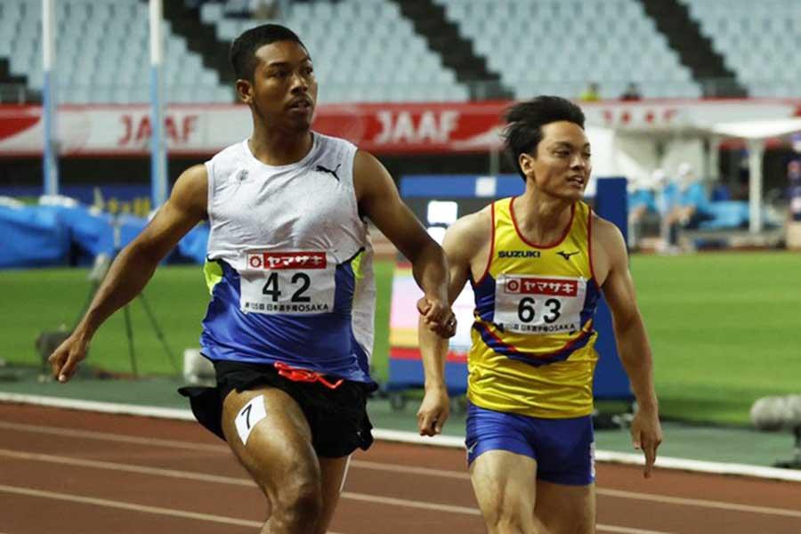 10秒30で決勝進出を決めたサニブラウン・ハキーム(左)【写真:奥井隆史】