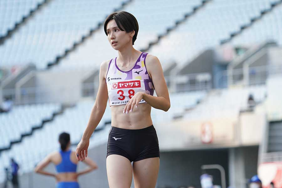 女子走り幅跳びで優勝した秦澄美鈴=24日撮影【写真:編集部】