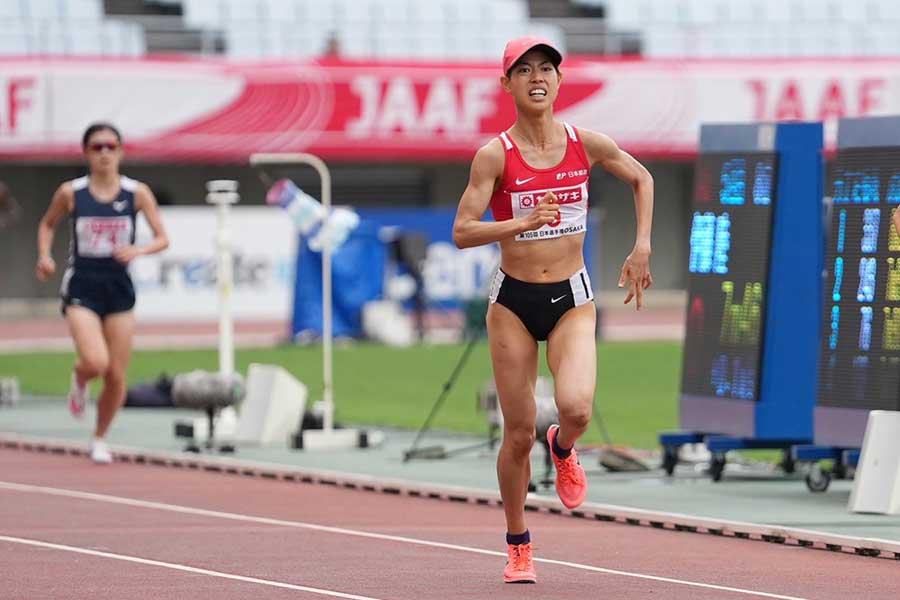 女子5000メートル決勝を15分18秒25で優勝した廣中璃梨佳【写真:編集部】
