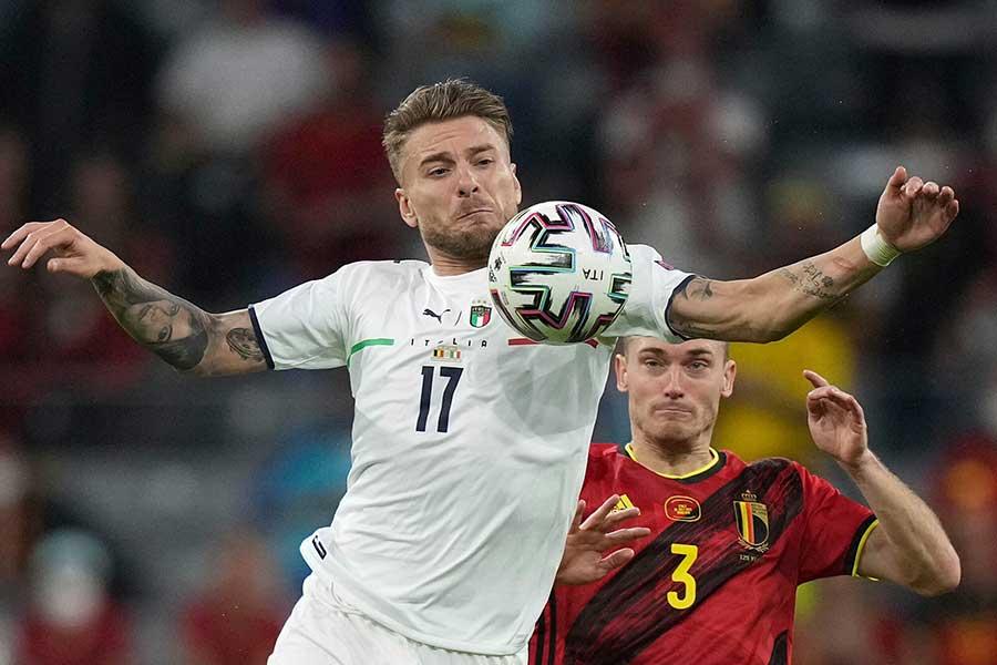 EURO準々決勝でイタリア代表FWチーロ・インモービレの見せた行動が物議を醸している【写真:AP】