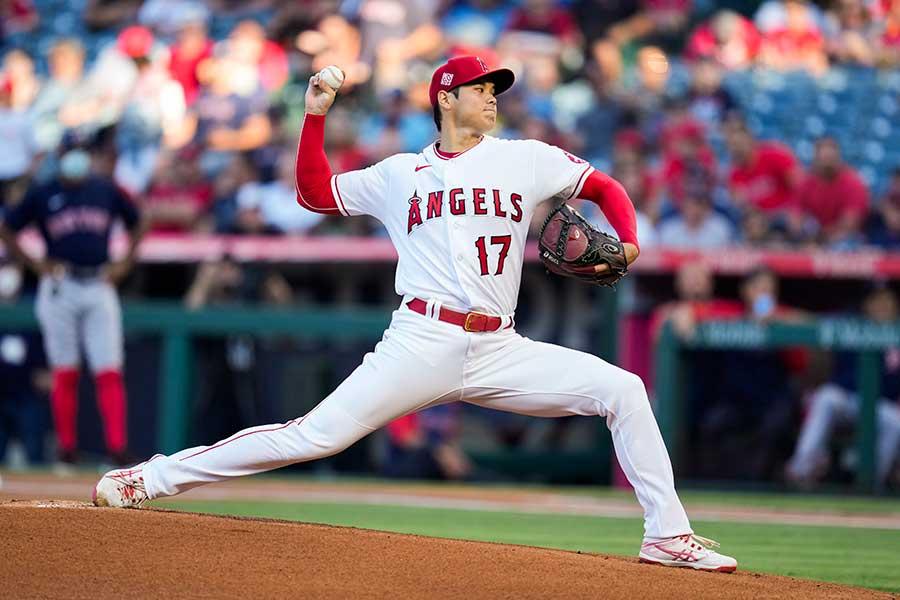 レッドソックス戦に「2番・投手」で先発しているエンゼルスの大谷翔平【写真:AP】