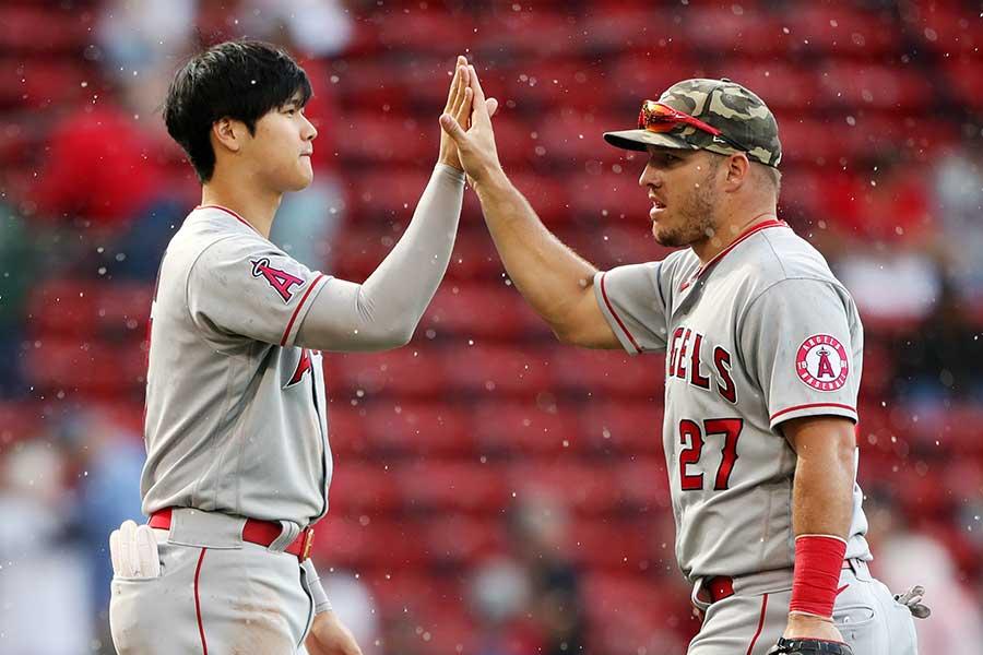 エンゼルスの大谷翔平(左)とマイク・トラウト【写真:Getty Images】