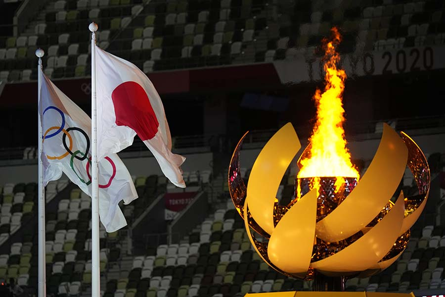 東京五輪開会式では日本が誇る世界的人気ゲームのテーマソングが鳴り響いた【写真:AP】