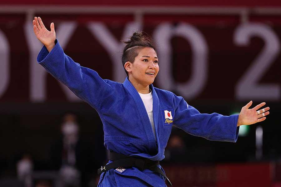 初出場で銀メダルを獲得した渡名喜風南【写真:Gettyy Images】
