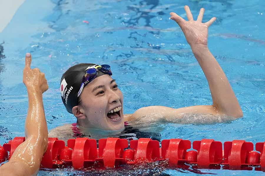 金メダルを獲得し、喜ぶ姿を見せる大橋悠依【写真:AP】