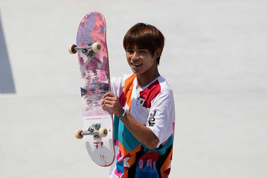 スケートボード・ストリート男子の決勝で金メダルを獲得した堀米雄斗【写真:AP】