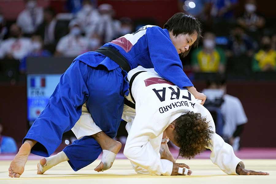 柔道の女子52キロで金メダルを獲得した阿部詩【写真:共同通信社】