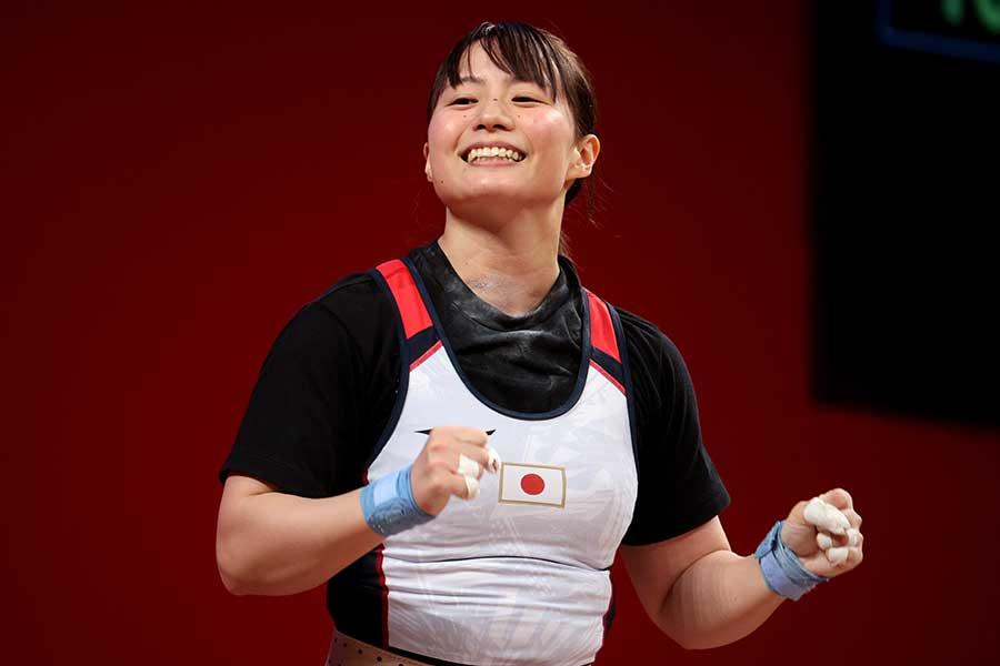 重量挙げ女子55キロ級に登場した八木かなえ【写真:Getty Images】