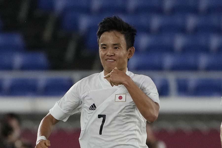 フランス戦で先制ゴールを決めたサッカー日本代表の久保建英【写真:AP】