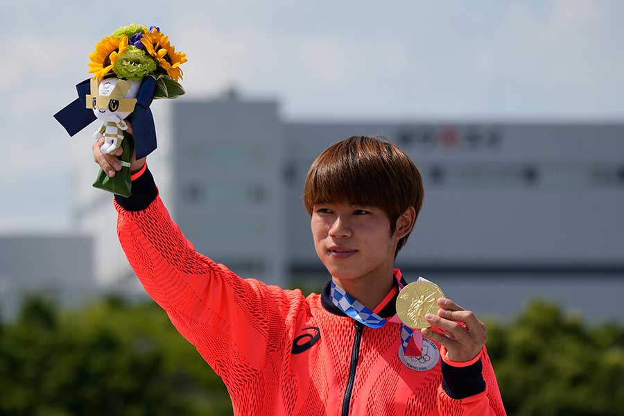 男子ストリートで金メダルを獲得した堀米雄斗【写真:AP】