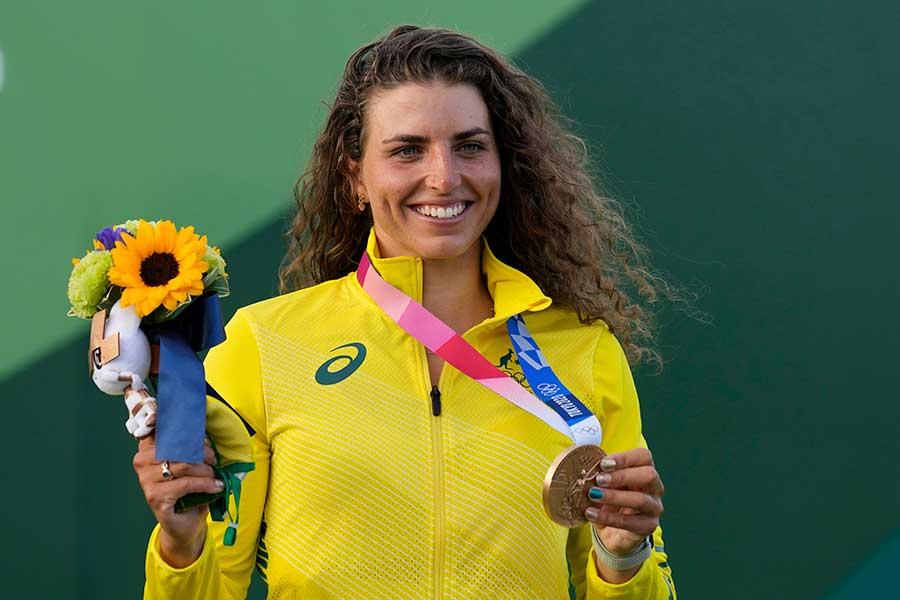 カヌー女子スラロームで金メダルを獲得したジェシカ・フォックス【写真:AP】