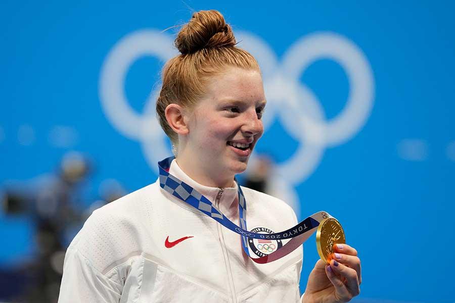 女子100メートル平泳ぎで金メダルを獲得したリディア・ジャコビー【写真:AP】