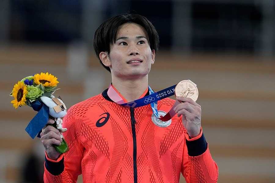 体操男子種目別あん馬で銅メダルを獲得した萱和磨【写真:AP】