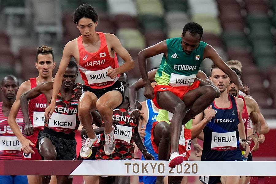 男子3000m障害決勝で7位入賞を果たした三浦龍司【写真:AP】