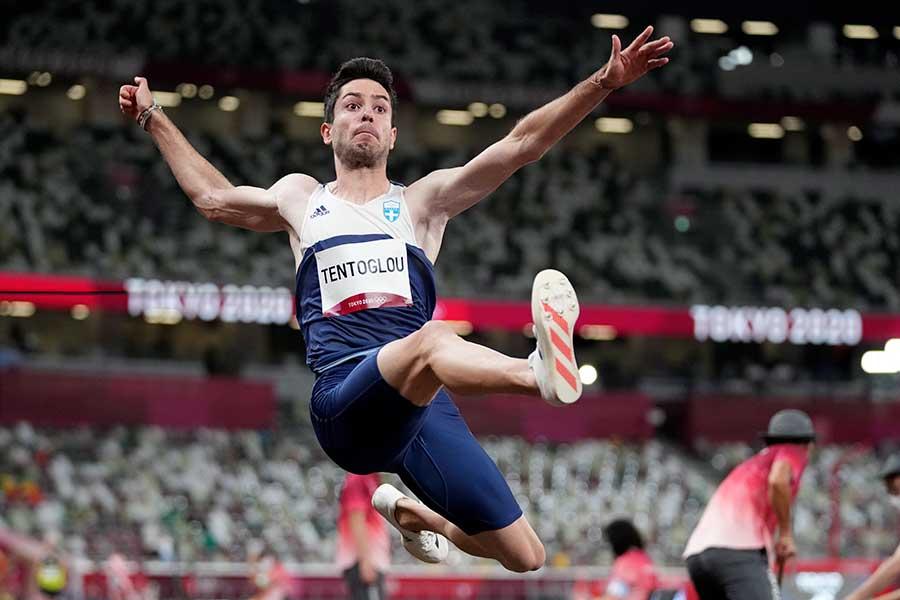 陸上男子走り幅跳びで金メダルに輝いたミルティアディス・テントグルー【写真:AP】