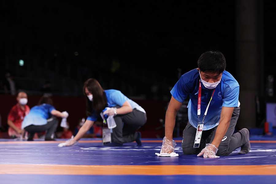 東京五輪を支えるボランティアの働きは海外からも称賛されている【写真:Getty Images】
