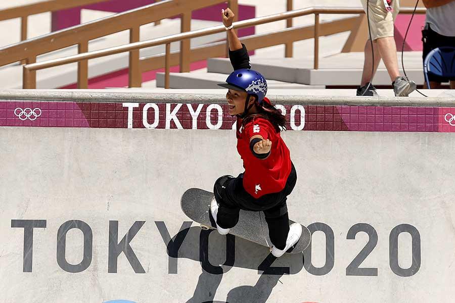 スケートボード・女子パークで金メダルを獲得した四十住さくら【写真:Getty Images】