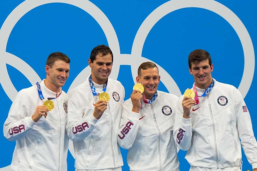 競泳男子4×100mメドレーリレーで金メダルを獲得した米国代表【写真:AP】