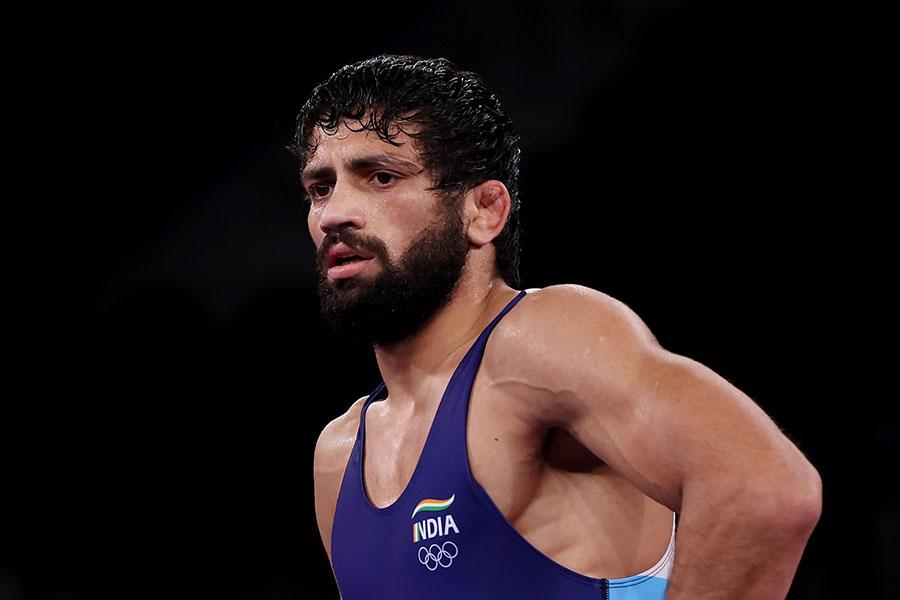 レスリング男子準決勝でクマール・ラビが相手選手に噛みつかれ、波紋が広がっている(【写真:Getty Images】