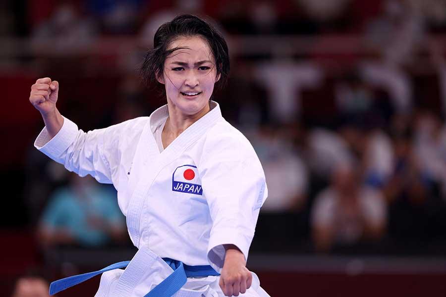 空手・女子形、決勝で演技する清水希容【写真:Getty Images】