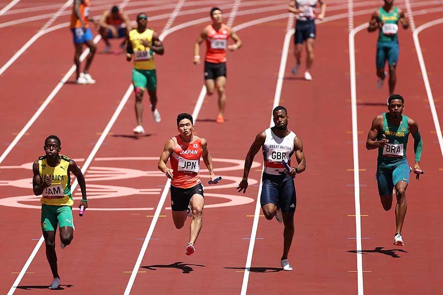 男子4×100メートルリレー、日本代表は38秒16の組3着で予選を突破した【写真:Getty Images】