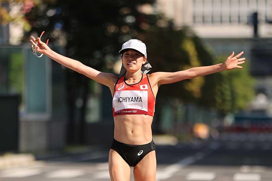 女子マラソンで8位入賞を果たした一山麻緒【写真:Getty Images】