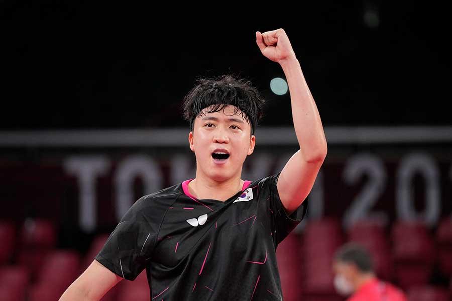 卓球男子、韓国代表の鄭栄植【写真:AP】
