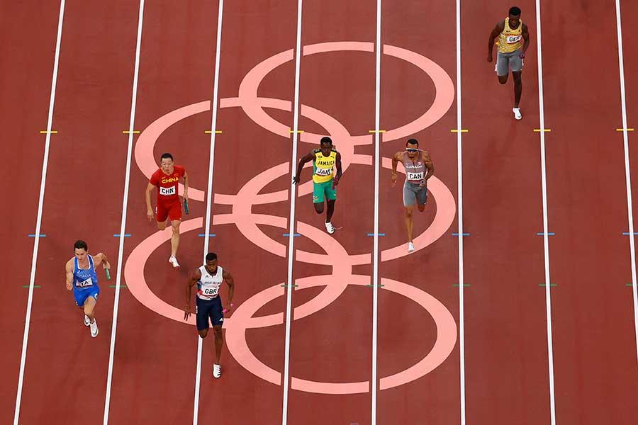 走ることが人をどう幸せにするのか、その本質に迫る【写真:Getty Images】