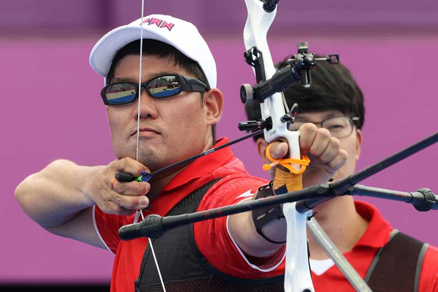 アーチェリー男子団体で銅メダルを獲得した、日本代表【写真:Getty Images】