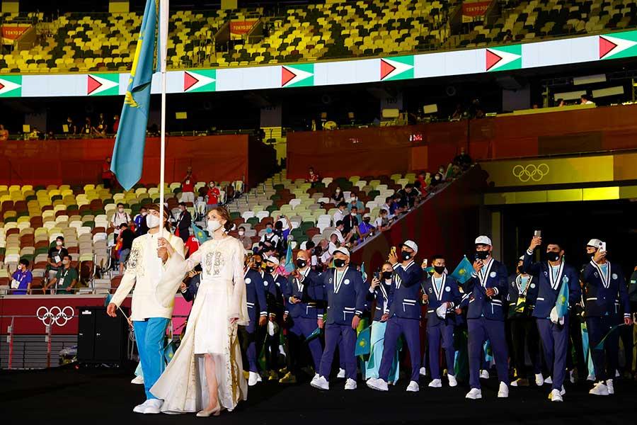 開会式で話題となったカザフスタンの旗手を務めたオルガ・リパコワ【写真:Getty Images】