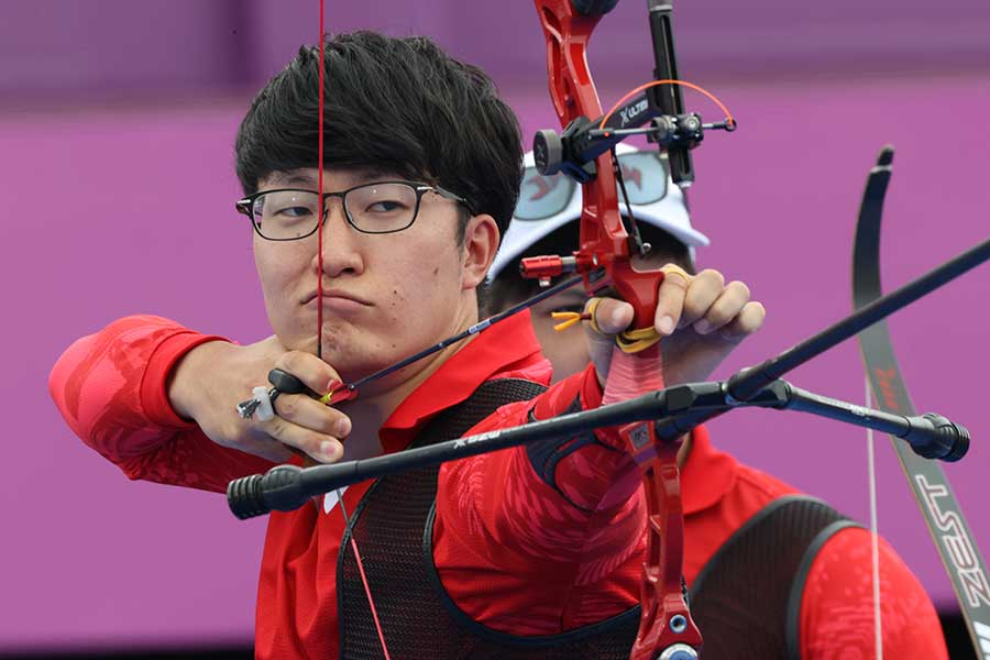 日本代表はアーチェリー男子団体で銅メダルを獲得した【写真:Getty Images】