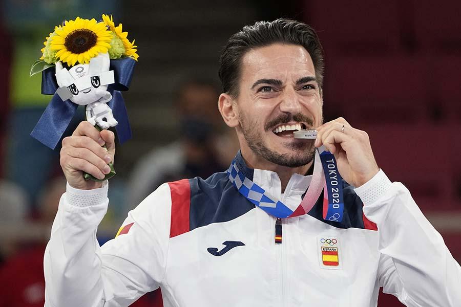 東京五輪空手男子形で銀メダルを獲得したダミアン・キンテーロ【写真:AP】
