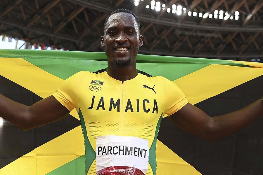 陸上男子110メートル障害で金メダルを獲得したハンスル・パーチメント 【写真:AP】