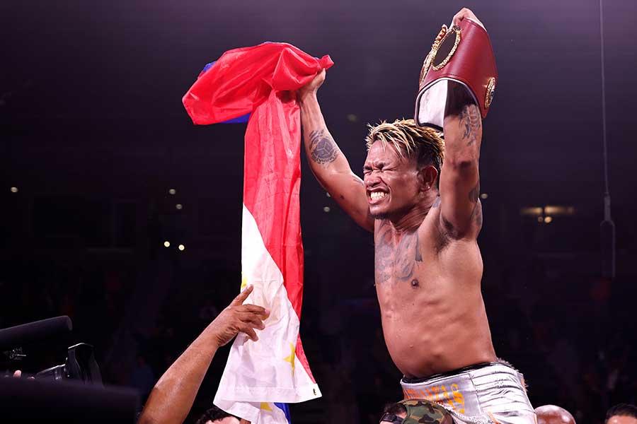 リゴンドーに勝利し、喜ぶカシメロ【写真:Getty Images】
