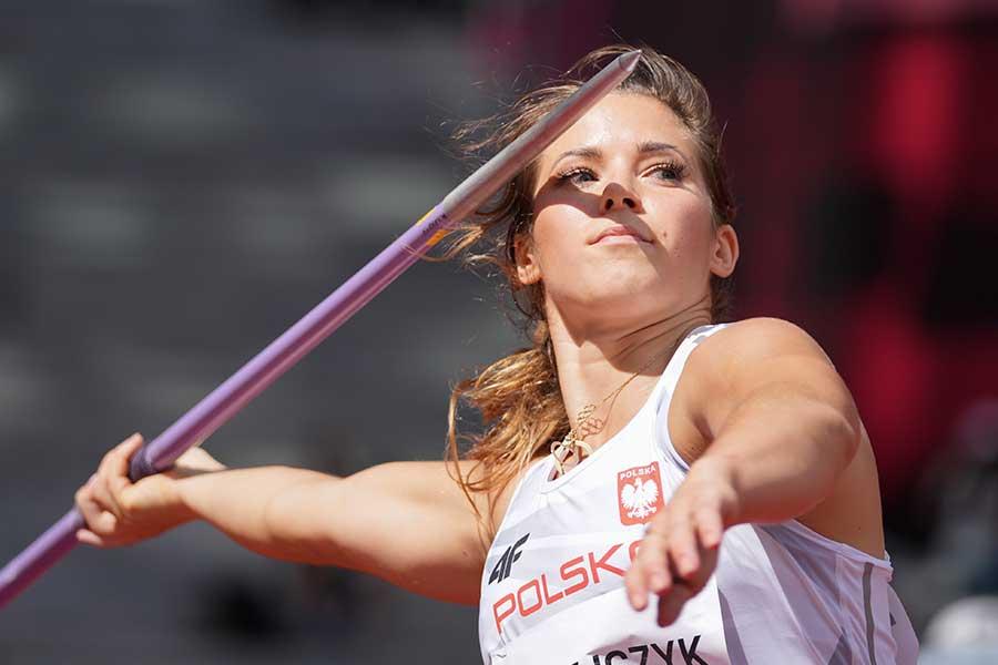 やり投げで銀メダルを獲得したマリア・アンドレイチェク【写真:AP】