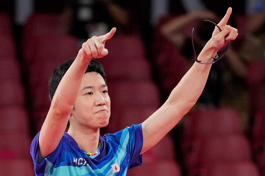 卓球混合ダブルスで金メダルを獲得した水谷隼【写真:AP】