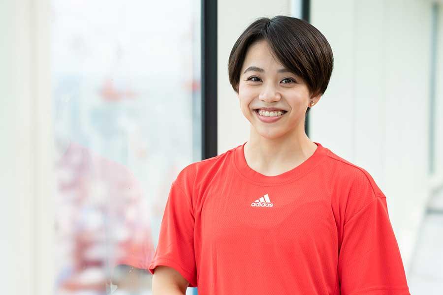 体操女子種目別ゆかで銅メダルを獲得した村上茉愛の知られざる競技人生とは【写真:荒川祐史】