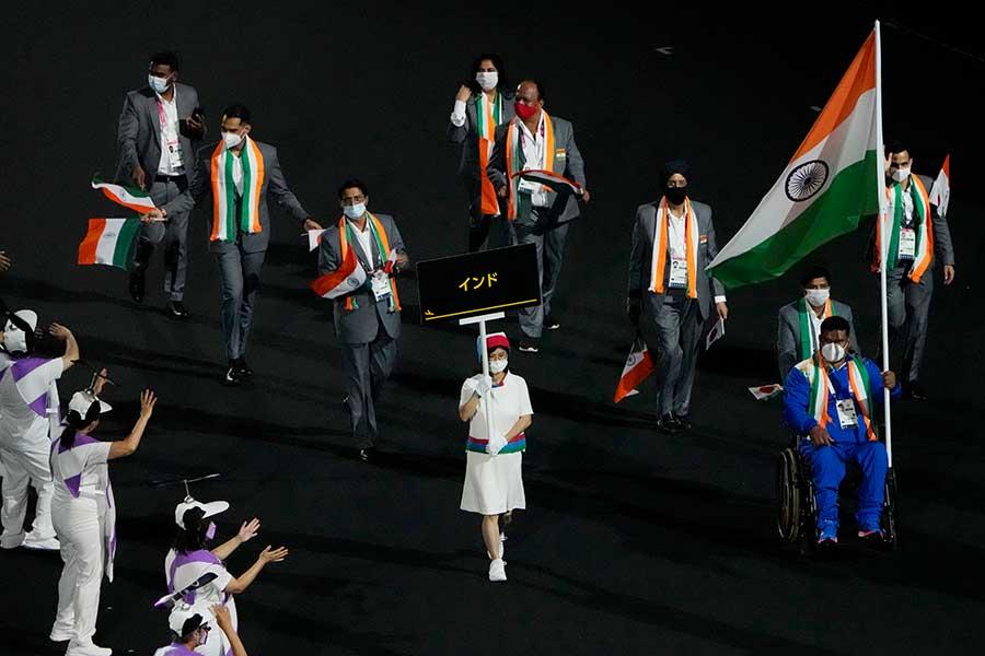 開会式で入場するインド選手団【写真:AP】