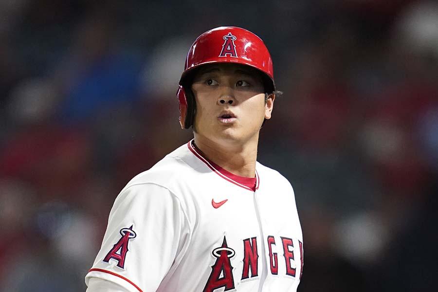 大谷翔平、103年ぶりの年間2桁勝利&2桁本塁打まであと1勝と迫っている【写真:AP】