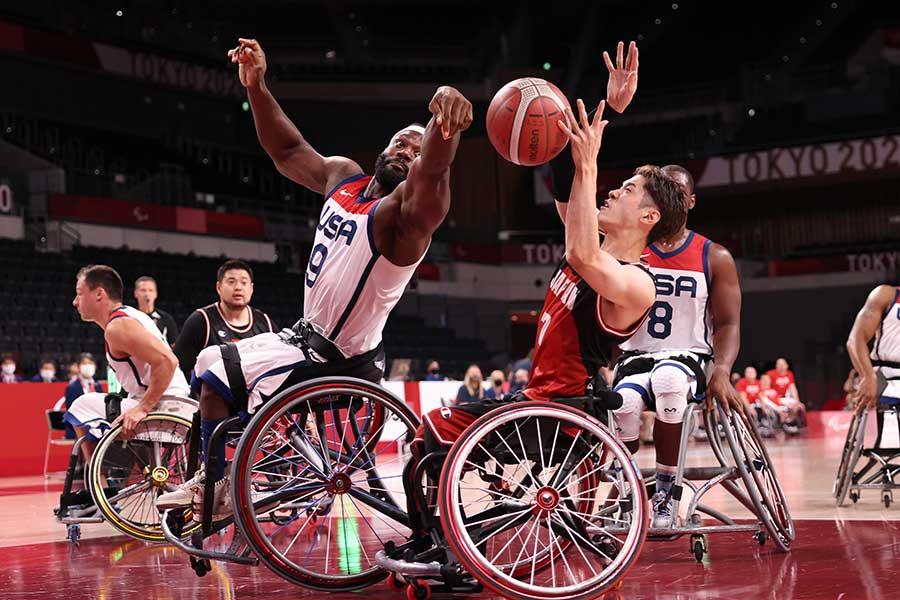 車いすバスケットボール男子決勝、日本は米国と大激戦の末、銀メダルを獲得した【写真:Getty Images】