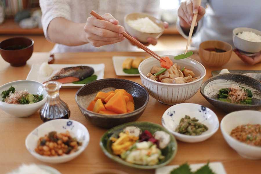 食が細い中学生の娘を持つ読者の質問に橋本玲子氏が回答した(画像はイメージです)