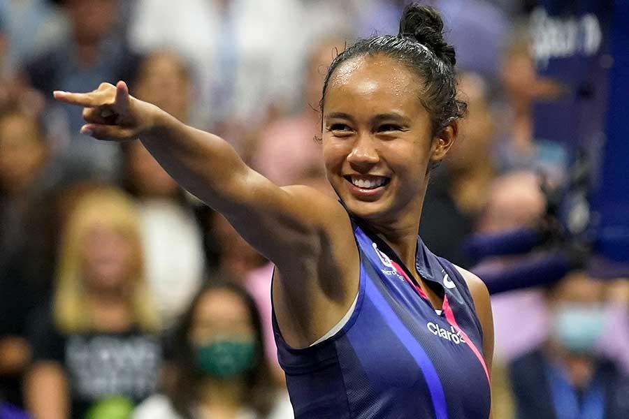 全米オープン決勝進出を決め喜ぶレイラ・フェルナンデス【写真:AP】