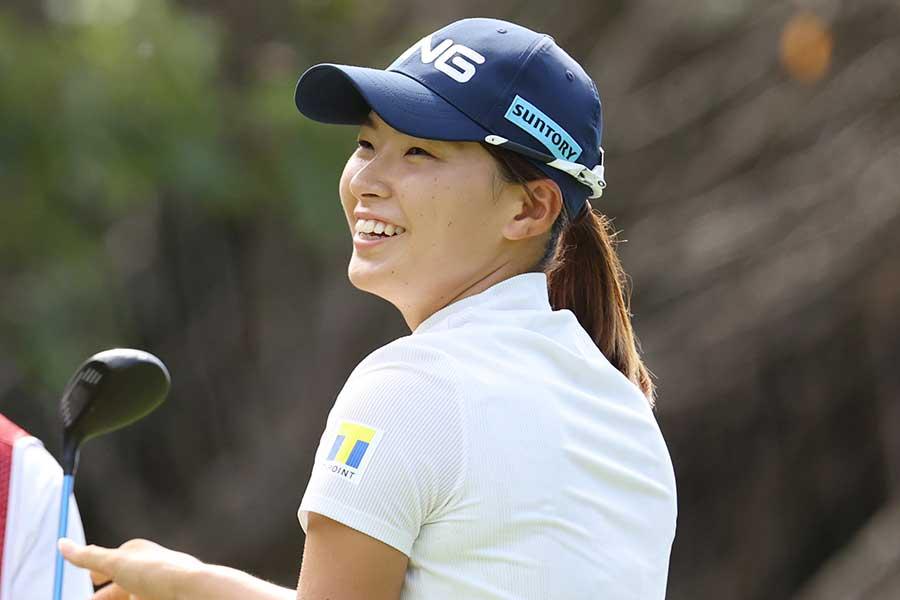 最終日、笑顔を見せる渋野日向子。約10か月ぶりのトップ5入りを果たした【写真:Getty Images】