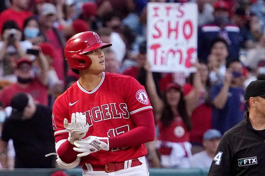 マリナーズ戦に「2番・指名打者」で先発出場しているエンゼルスの大谷翔平【写真:AP】